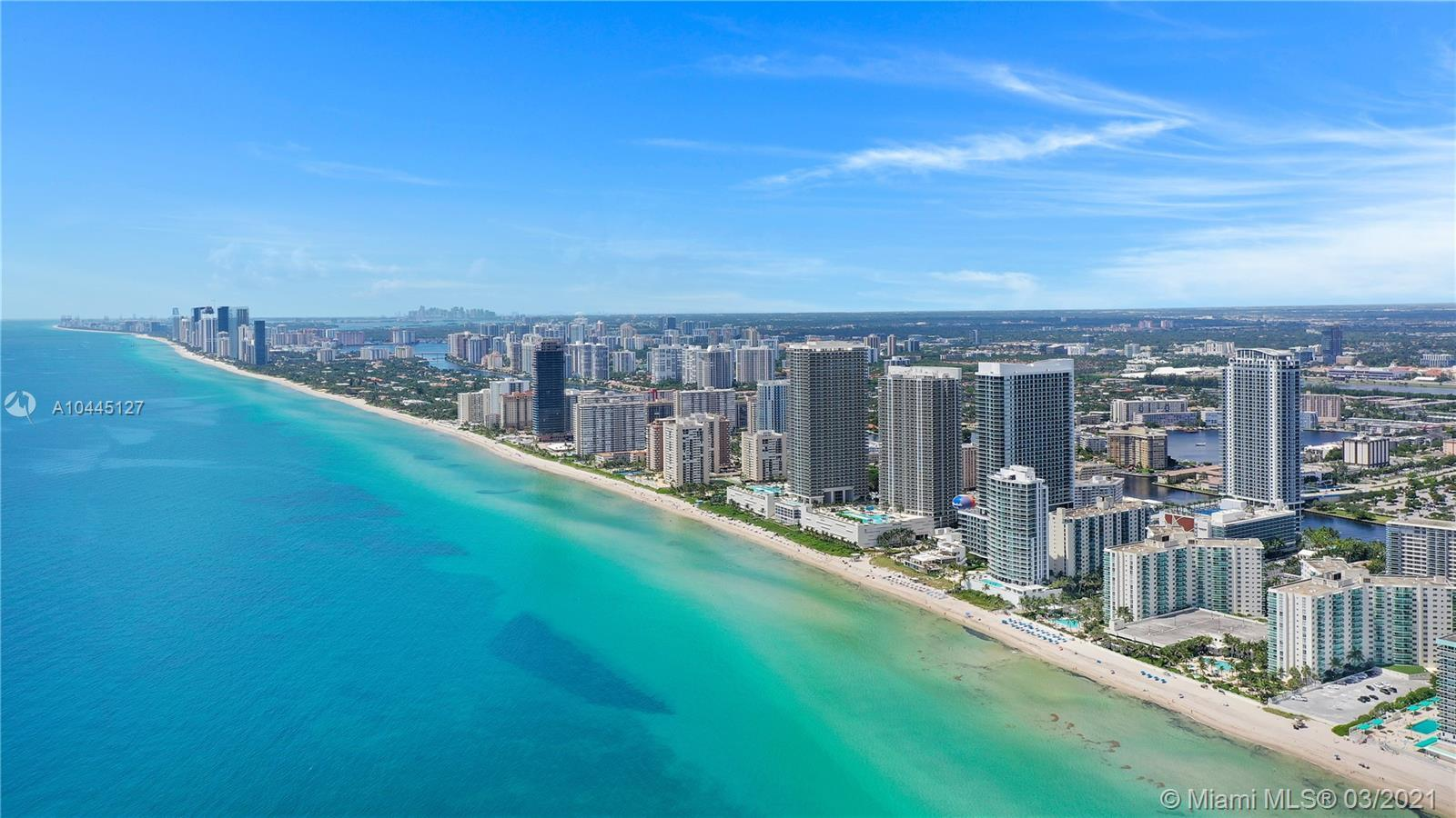 BEACH, BEACH and ONLY BEACH at your feets!!! LOCATION & Impressive view! Right on the beautiful Holl