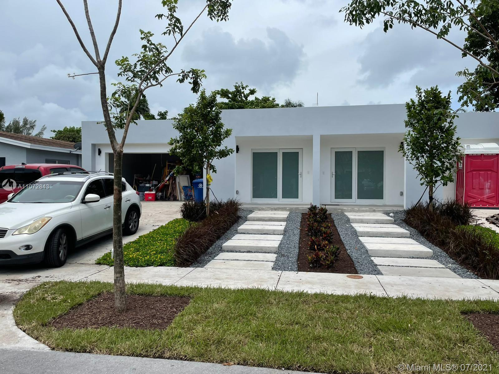 Incredible brand new home with an open space, gourmet kitchen with cooking island, stainless steel a