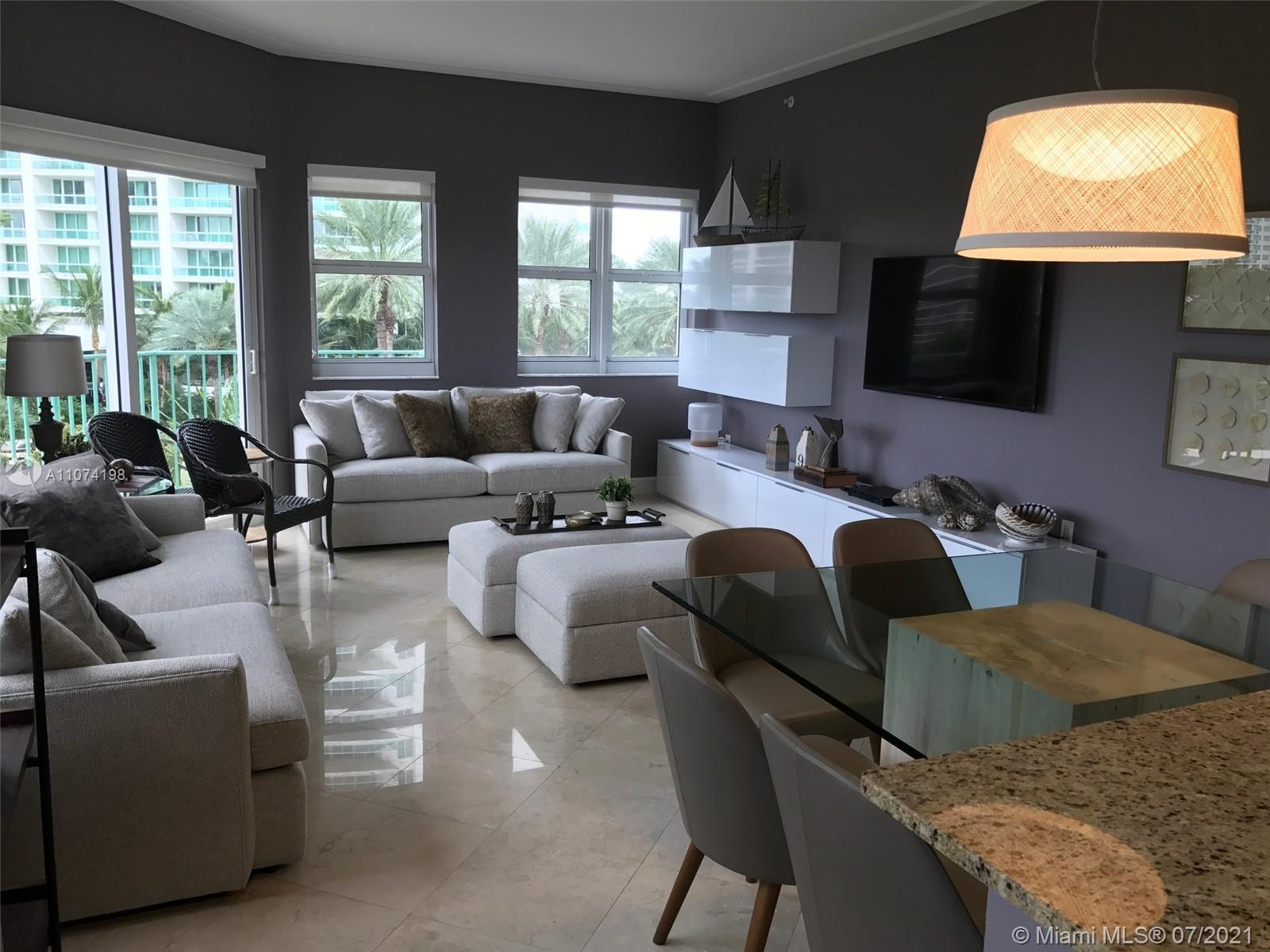 Beautiful Turnkey 3/3 unit in the heart of Aventura. Fully remodeled and ready for move-in. Features