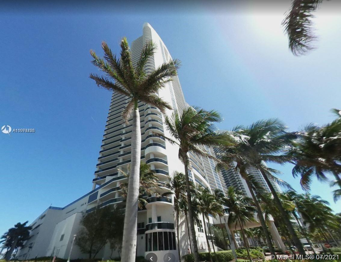 Gorgeous condo in one of the most beautiful buildings : Beach Club. Tons of amenities including gorg