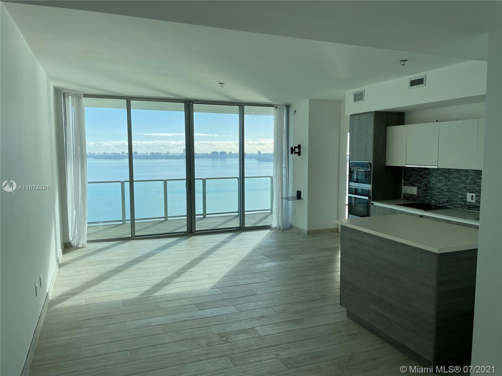 beautiful 2 bedrooms bay view unit in trendy Biscayne beach condo.  Please call or text listing gen