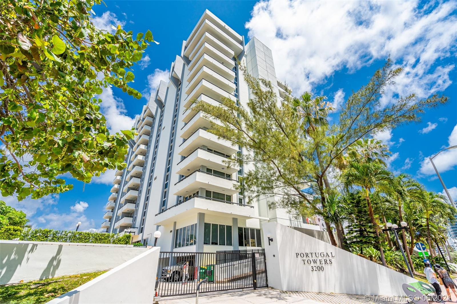 Georges Condominium in the heart of Faena District of Miami Beach. Enjoy the Downtown Miami skyline