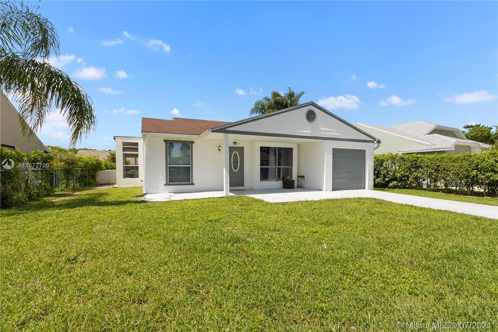 Beautifully remodeled 3 beds / 3 baths plus patio room (the garage was converted to the 3rd bed) sin