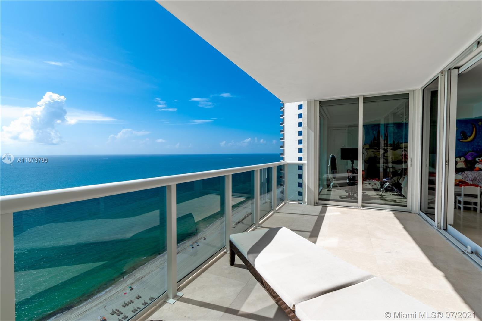 This stunning flow-through 3-bedrooms, 2.5-bathrooms condo located in the luxurious Ocean Two Condo