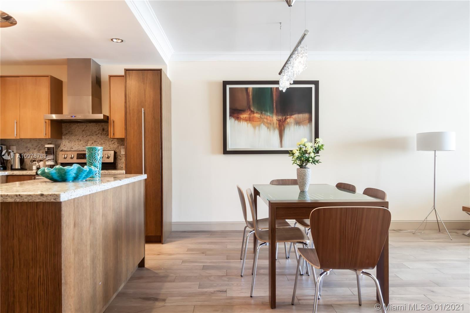 Beautifully renovated 2 Bedroom plus Den apartment with a modern and welcoming touch. The building h
