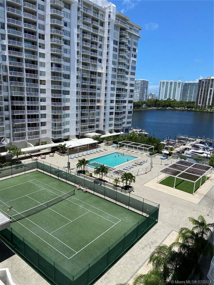 MUST SEE!! Breathtaking, spacious, updated 2bed, 2 full bath apartment on the Bay. Amazing water vie