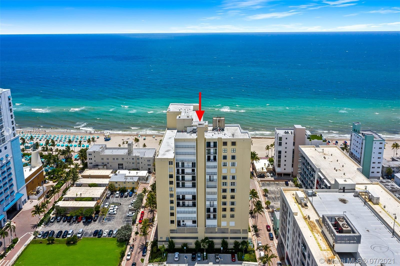 Fantastic Oceanfront views in a boutique style building! Centrally located on the historic Hollywood