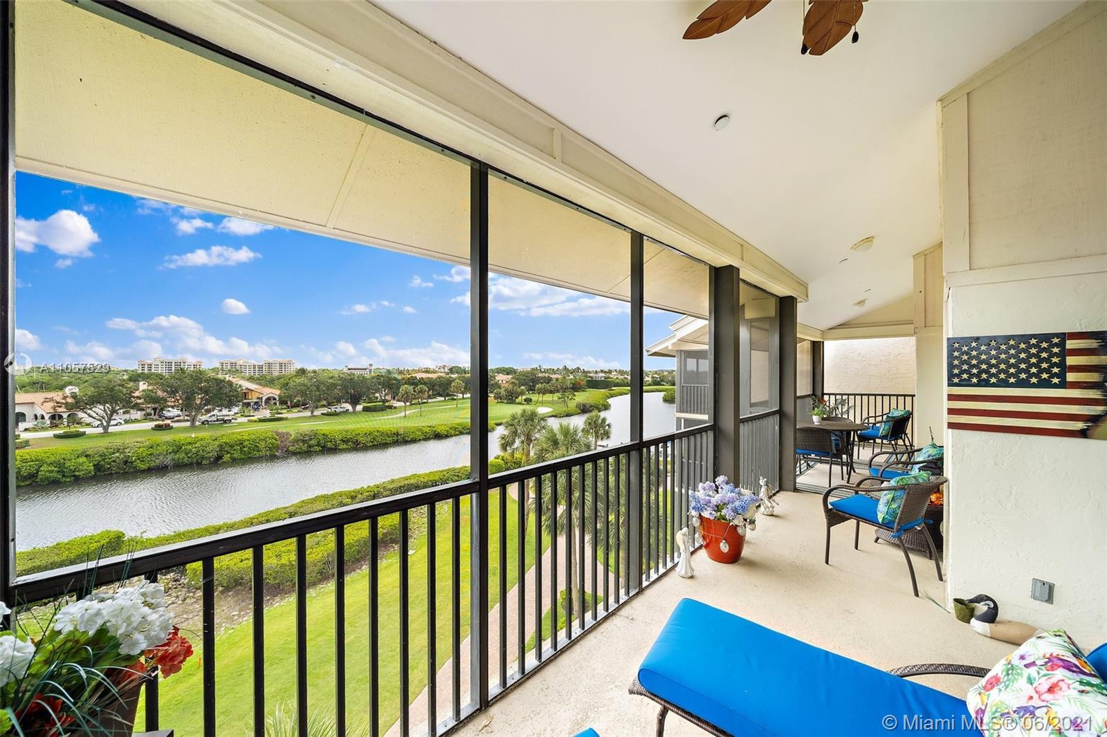 Stunning Penthouse Home with Panoramic Views of the Intracoastal Waterway and the Premier Golf Cours