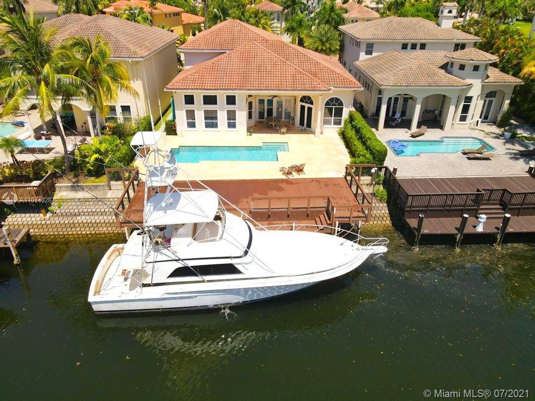 Exclusive Harbor Islands Commodore Estate in Hollywood Florida.  24 hour Gated Community, 65 ft Wate