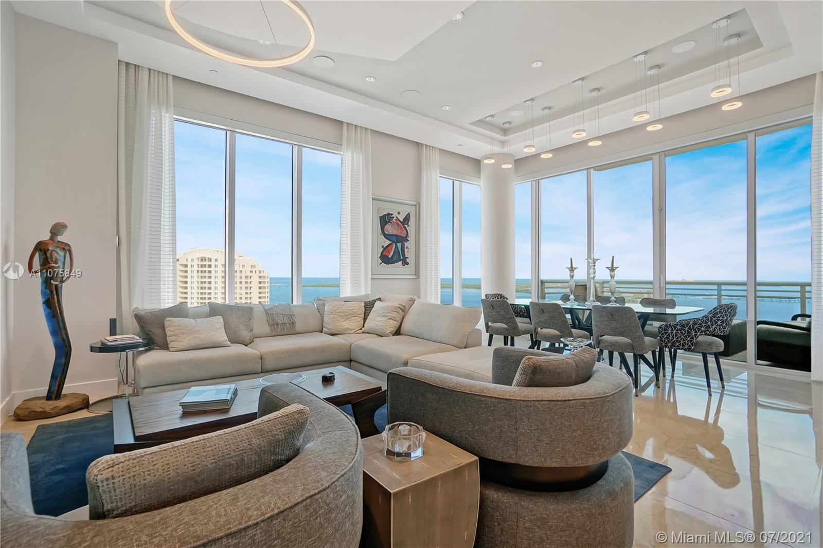 Situated high atop Asia, Brickell Keys premiere condominium with concierge amenities. Experience thi