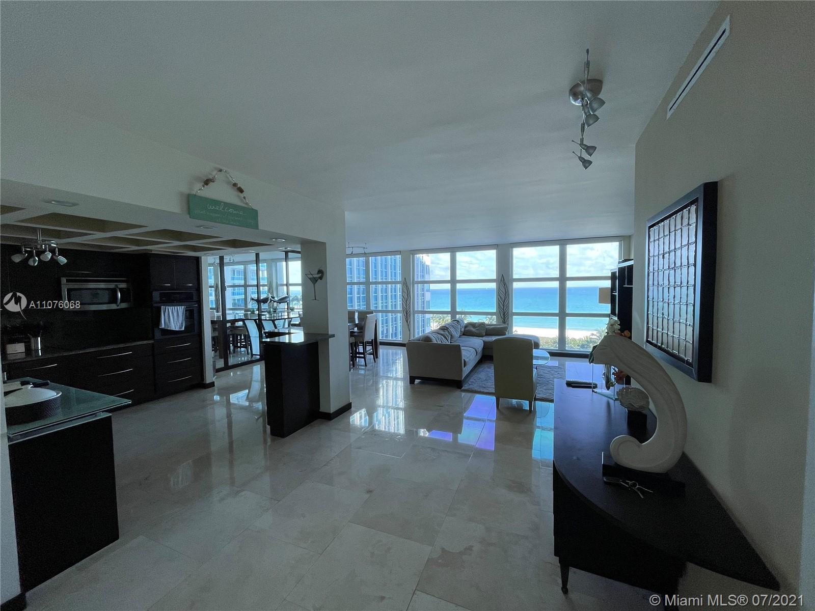 Fully remodeled corner 1 bedroom / 2bath unit with direct full ocean views !!! High ceilings with Fl