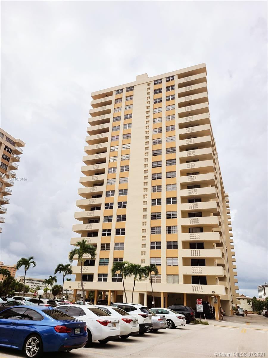 Rarely available high floor north view lowest-priced 2/2 with stunning Intracoastal views! This spli