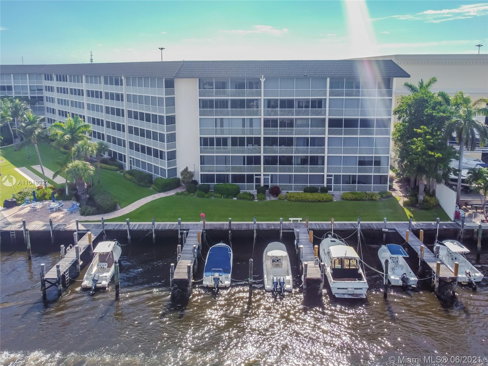 Waterfront Condo! This home offers a great layout with a kitchen that offers stainless steel applian
