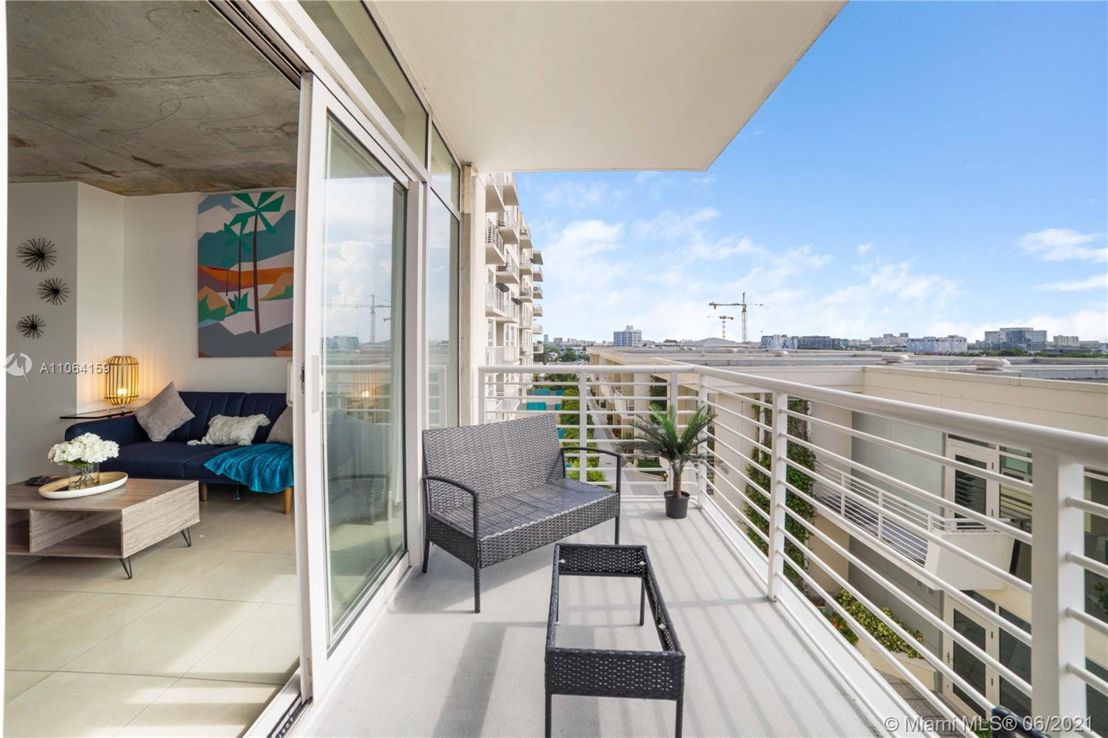 LIVE, WORK & PLAY at Midtown Miami. Beautifull unit at 7th floor at Midblock Miami, in the middle of