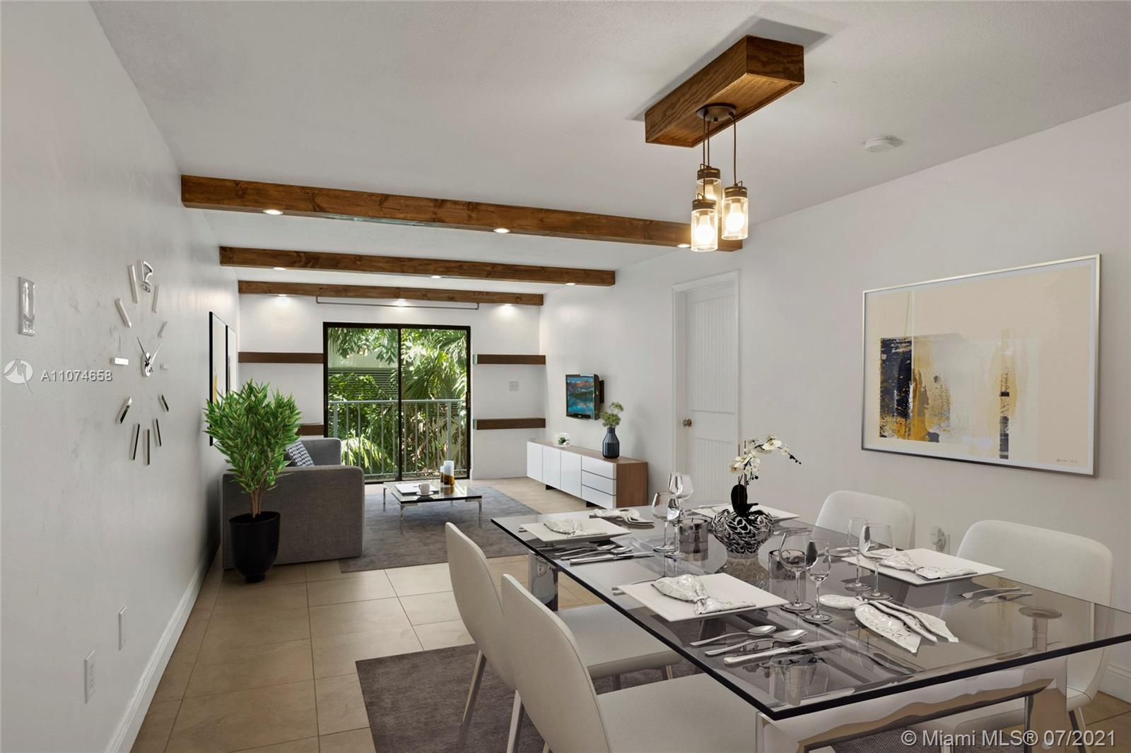 Great opportunity to live in the center of Miami Beach walking distance to the beach, Lincoln Rd, lu