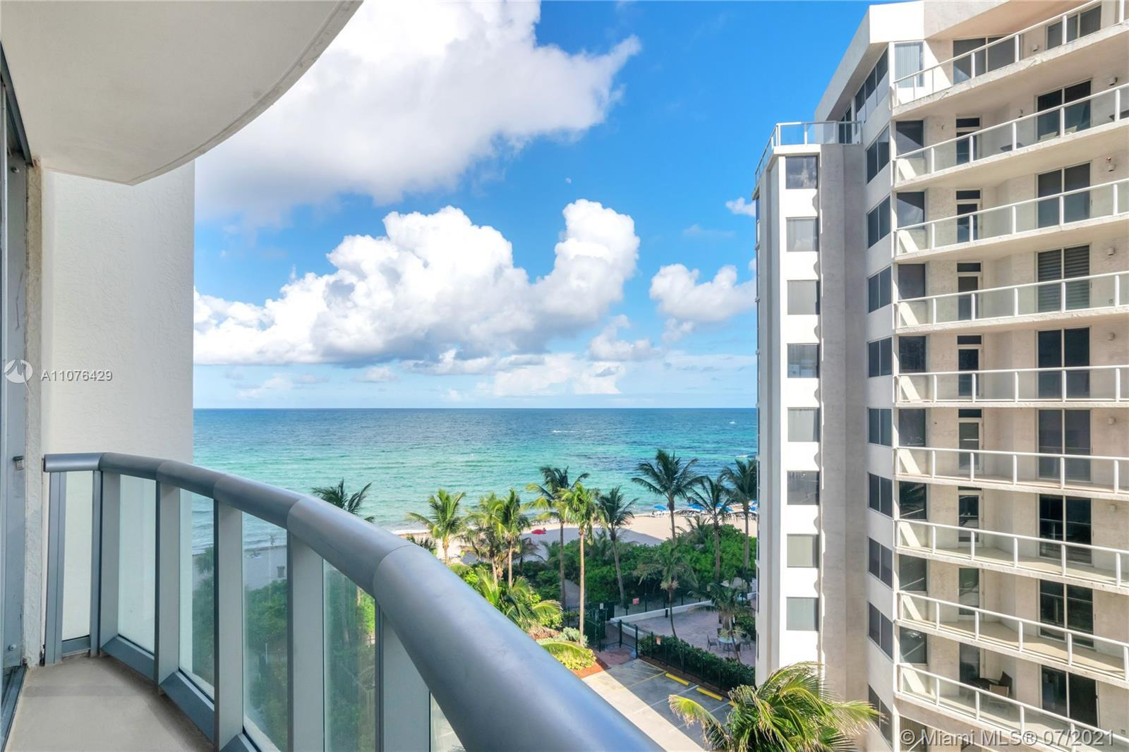 Gorgeous Turn-Key fully furnished 1 bed, 1 bath unit in the heart of Sunny Isles Beach! Amazing cond