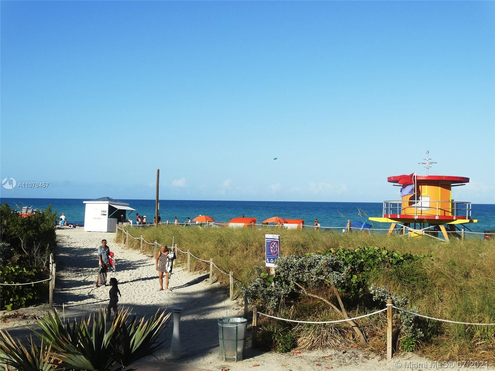 Your beach 1 Bedroom & 1 Bath vacation/residence home, it's awaiting for you! Located in an ocean fr