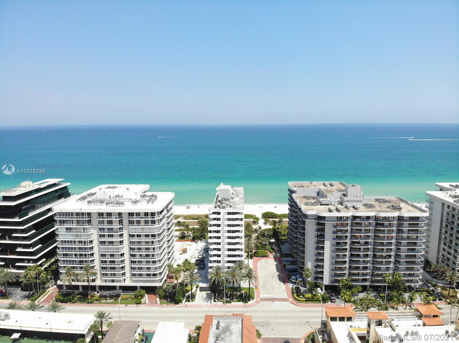 Spectacular beach front unit at Rimini Beach located in renowned Sursfide area. Unit features new fl