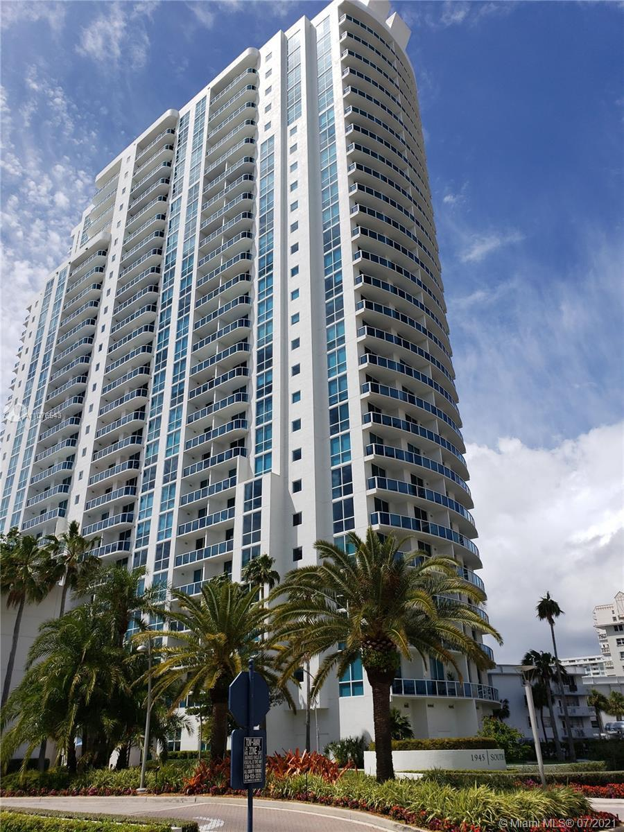 Most desirable floor plan in the building. Bright and spacious 2 bedroom 2.5 baths condo. Panoramic