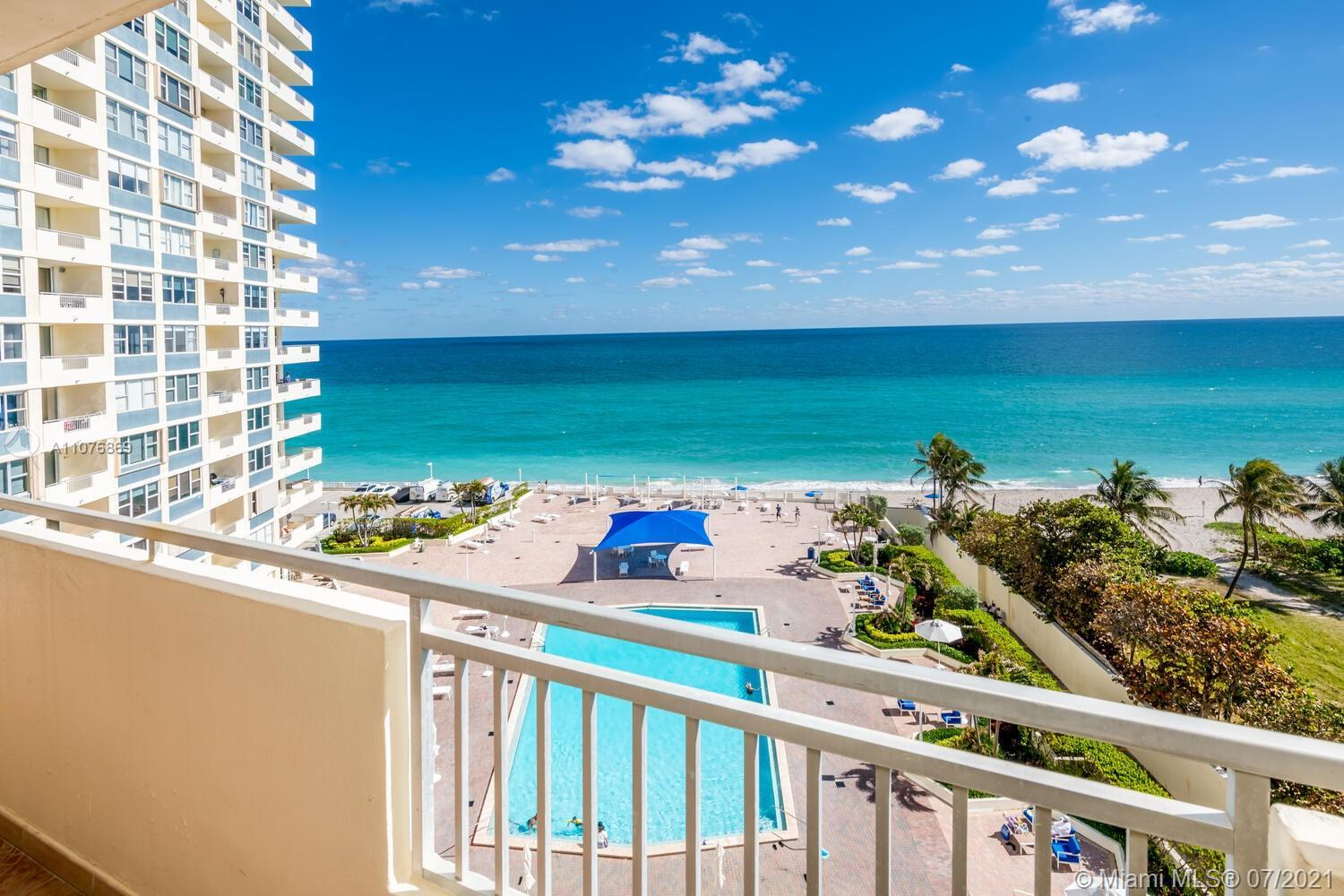 Beachfront Resort with Beach Service and Amazing Direct Ocean view from 7-th floor. 1 bed room with