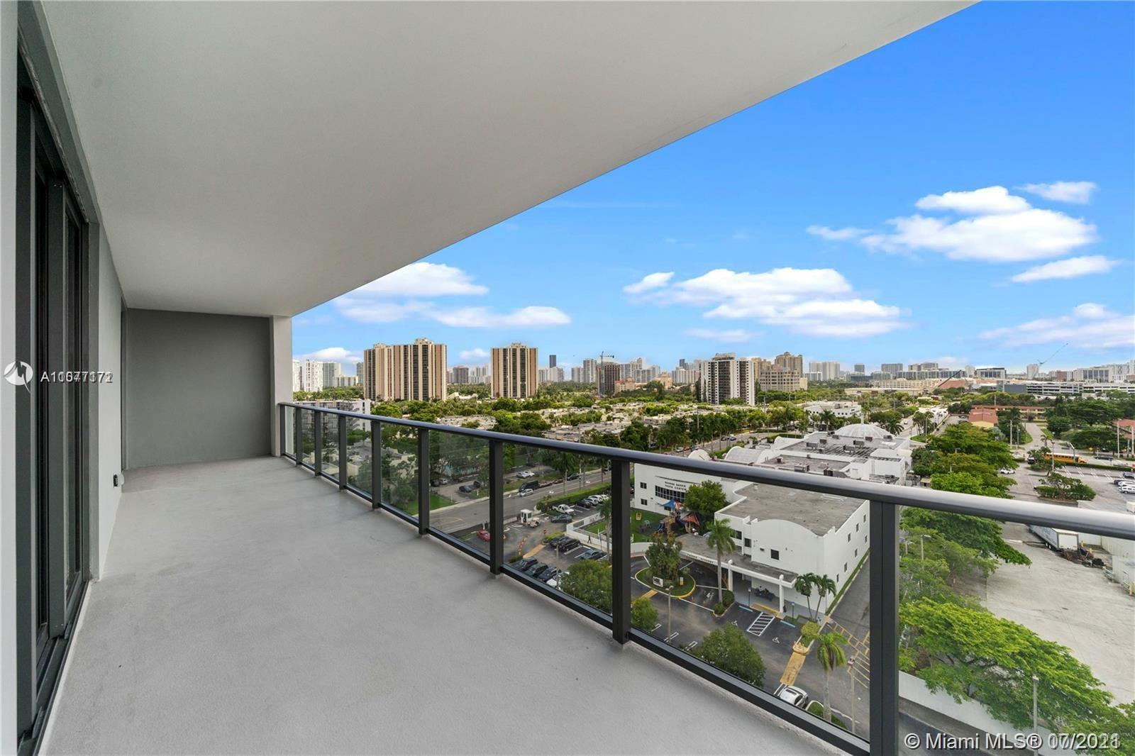 CORNER UNITS WITH LARGE WRAP TERRACE  1 BED PLUS DEN WITH WINDOW WITH  TERRACE ACCESS IN AVENTURA PA