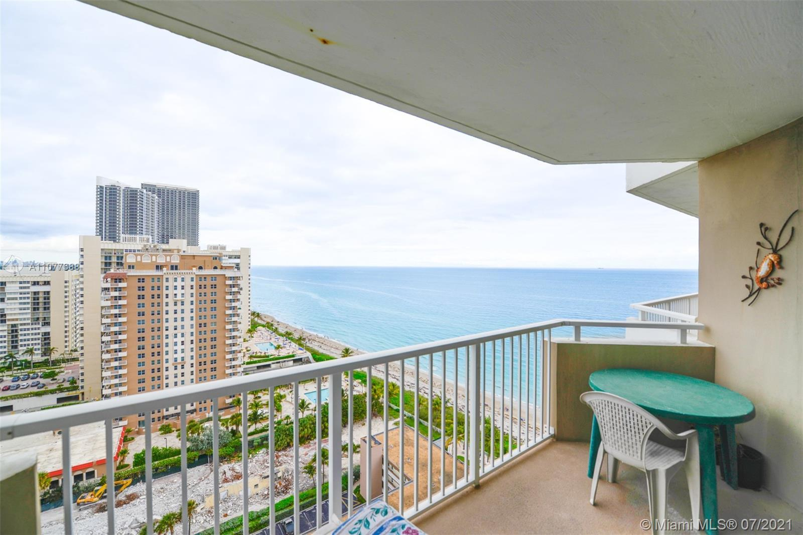 Beautiful 1 bedroom unit with lovely ocean views. Enjoy your coffee on the patio while reading the n