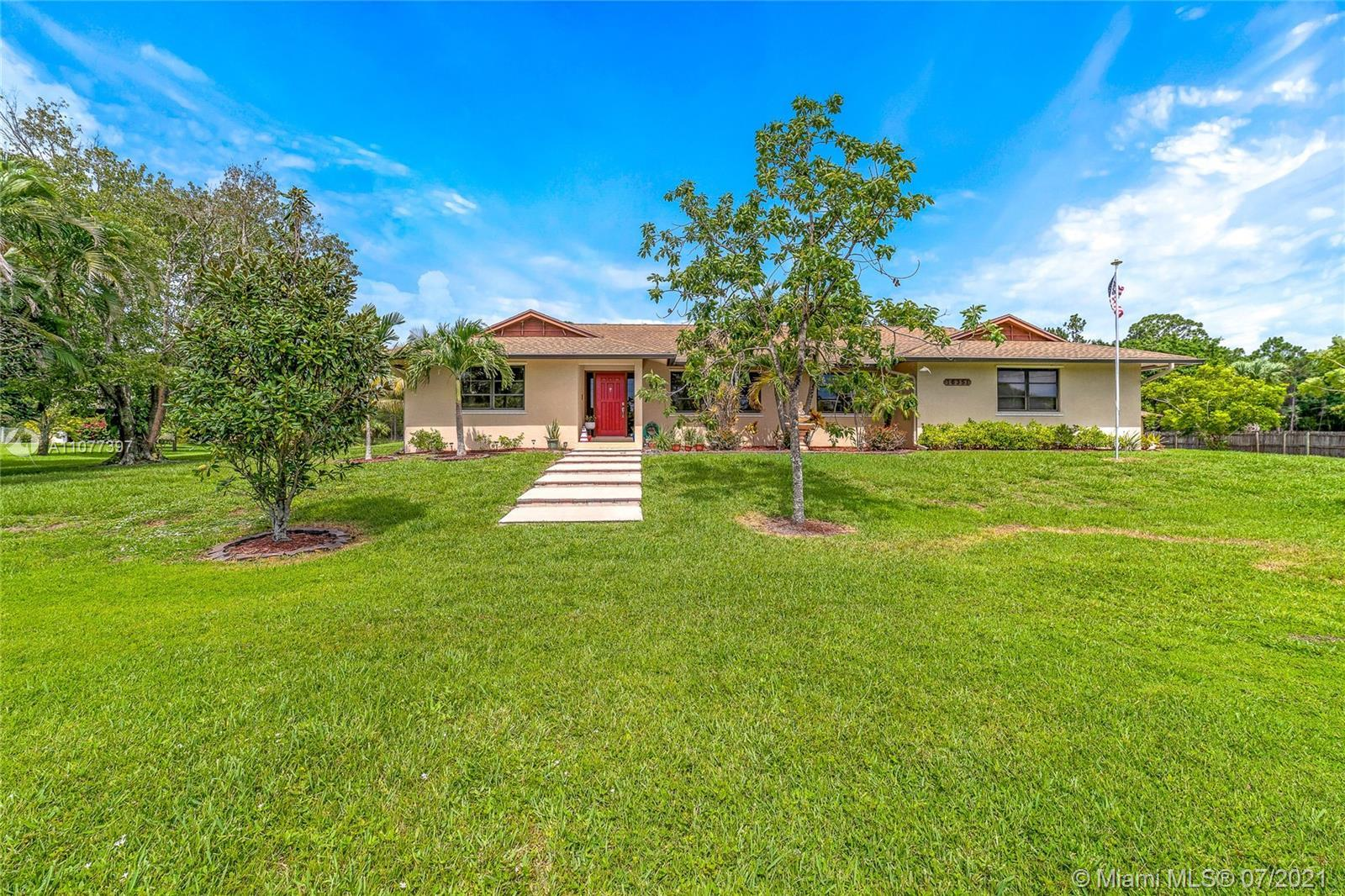 Amazing opportunity!!! This first owner home located on the preserve of Palm Beach County Estates bo