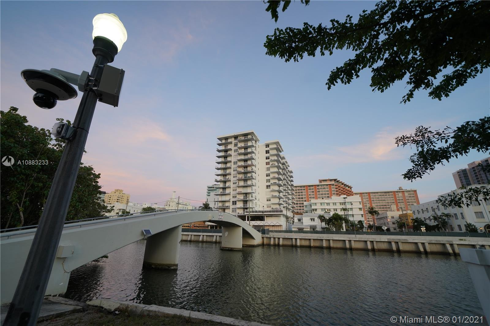 Owner Finance! Enjoy living in this wonderful apartment one block from the ocean. The unit offers e