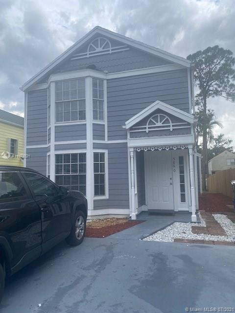 Nice Remodeled 4 bed 3b bath unit in a grate location close to everything, this gated community is v