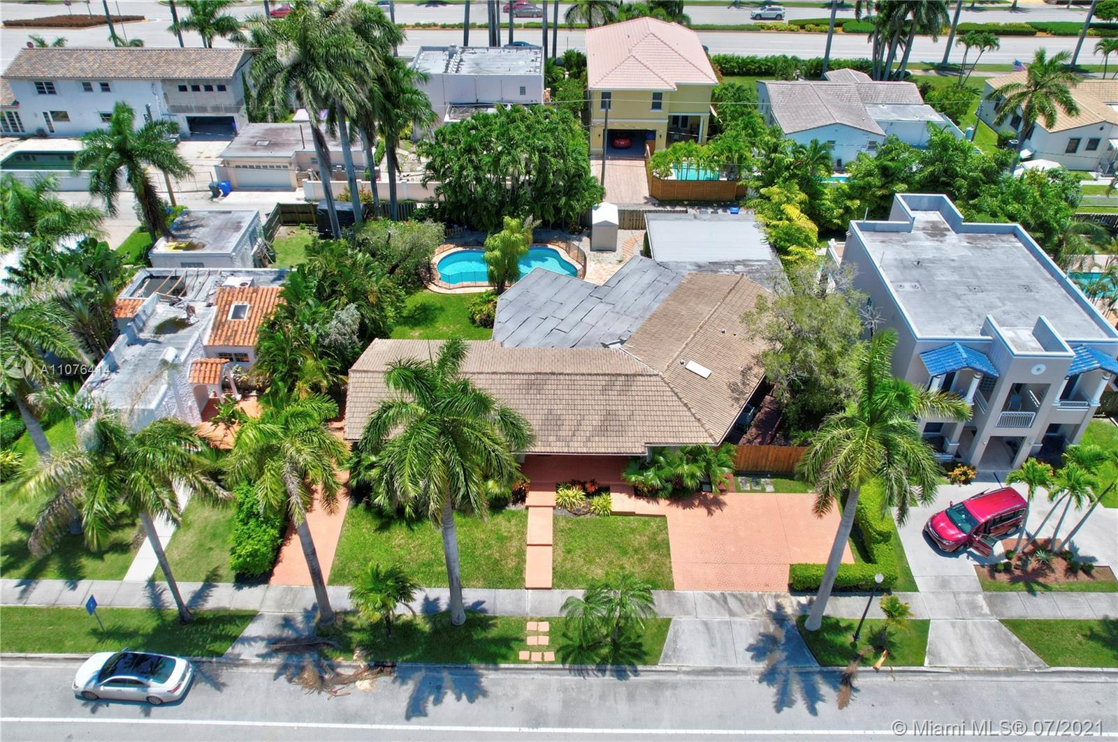 Unique value! This 3000 plus sq.ft. 5/3 Hollywood Lakes estate is offered at just shy of $400/sq ft(