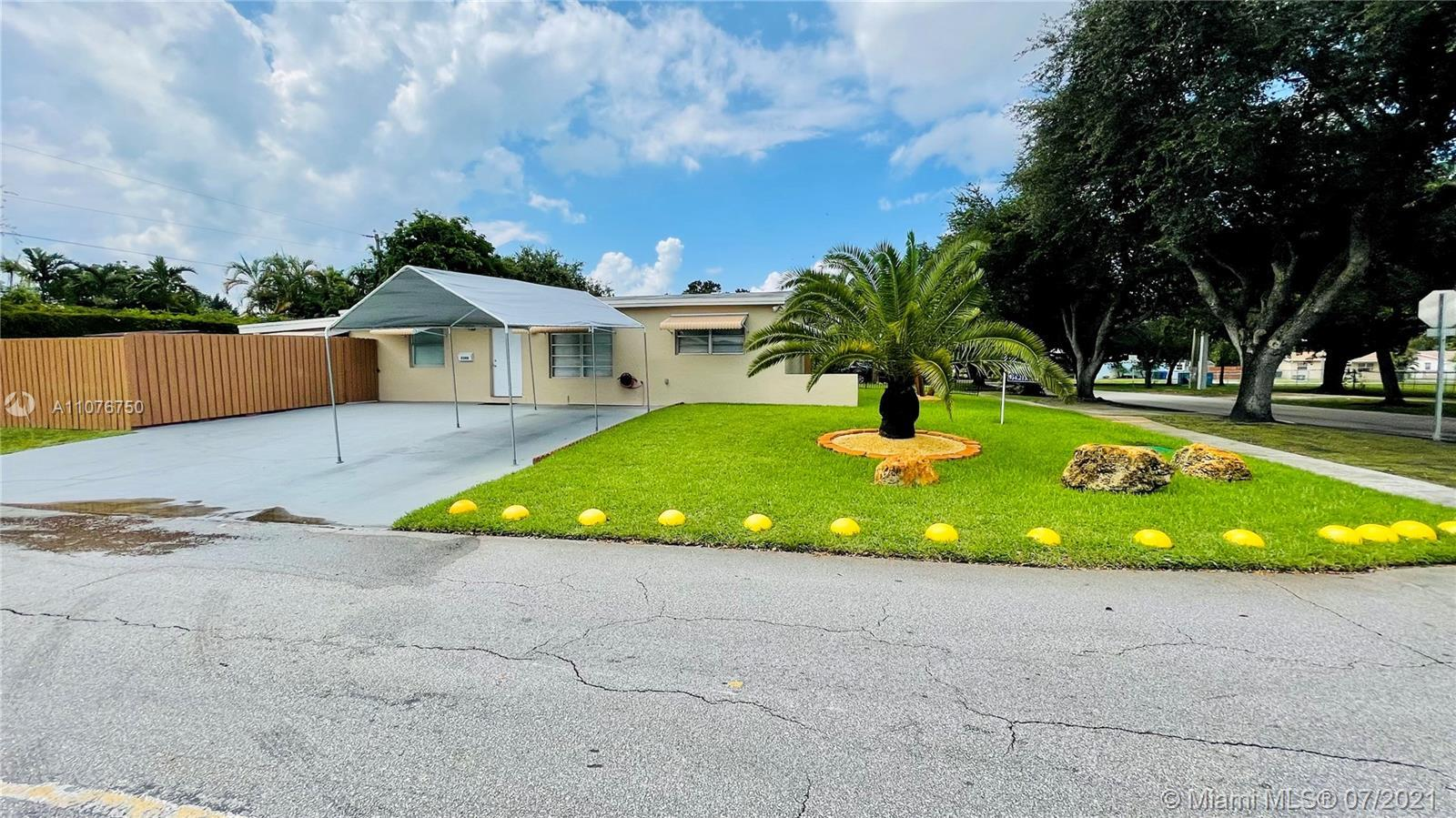 3/2 Corner Home in Immaculate Conditions, once you enter to this gorgeous home you will find the tot