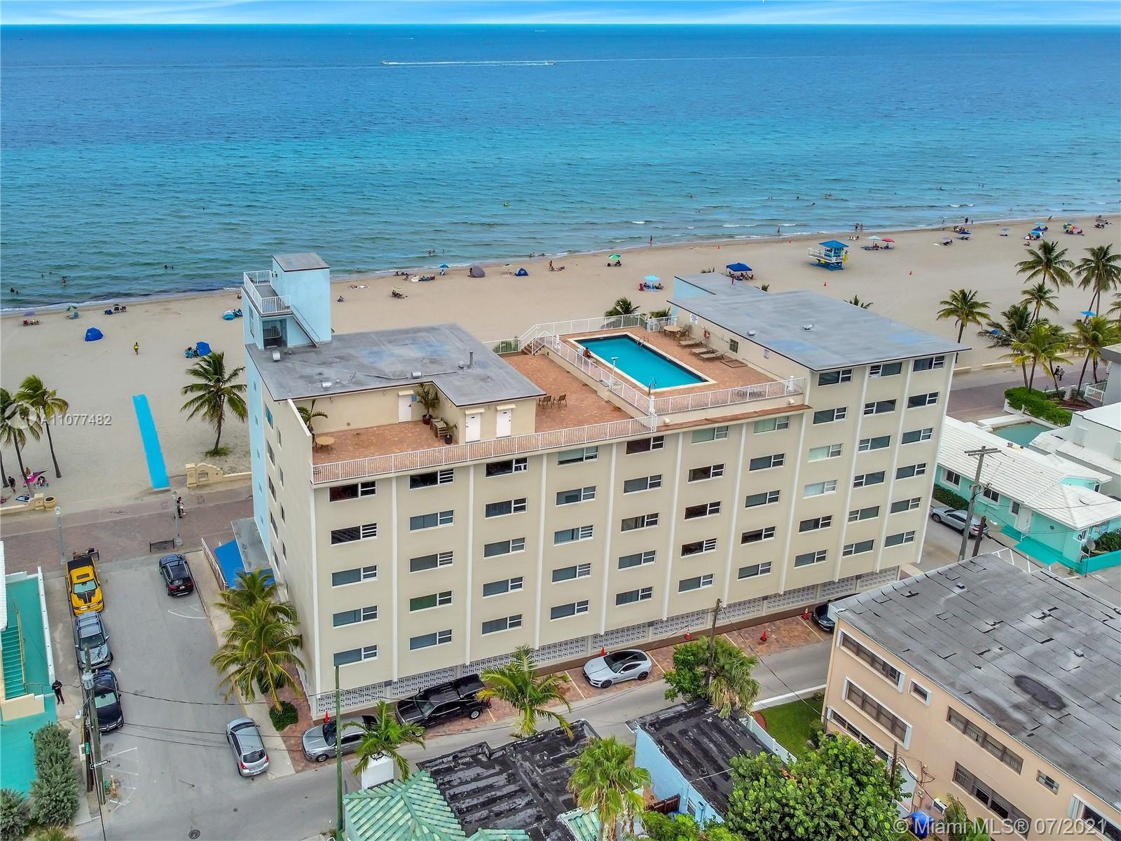 Breathtaking view of the Ocean!! Gorgeous 1/1 oceanfront condo, come and enjoy this beautiful gem ra