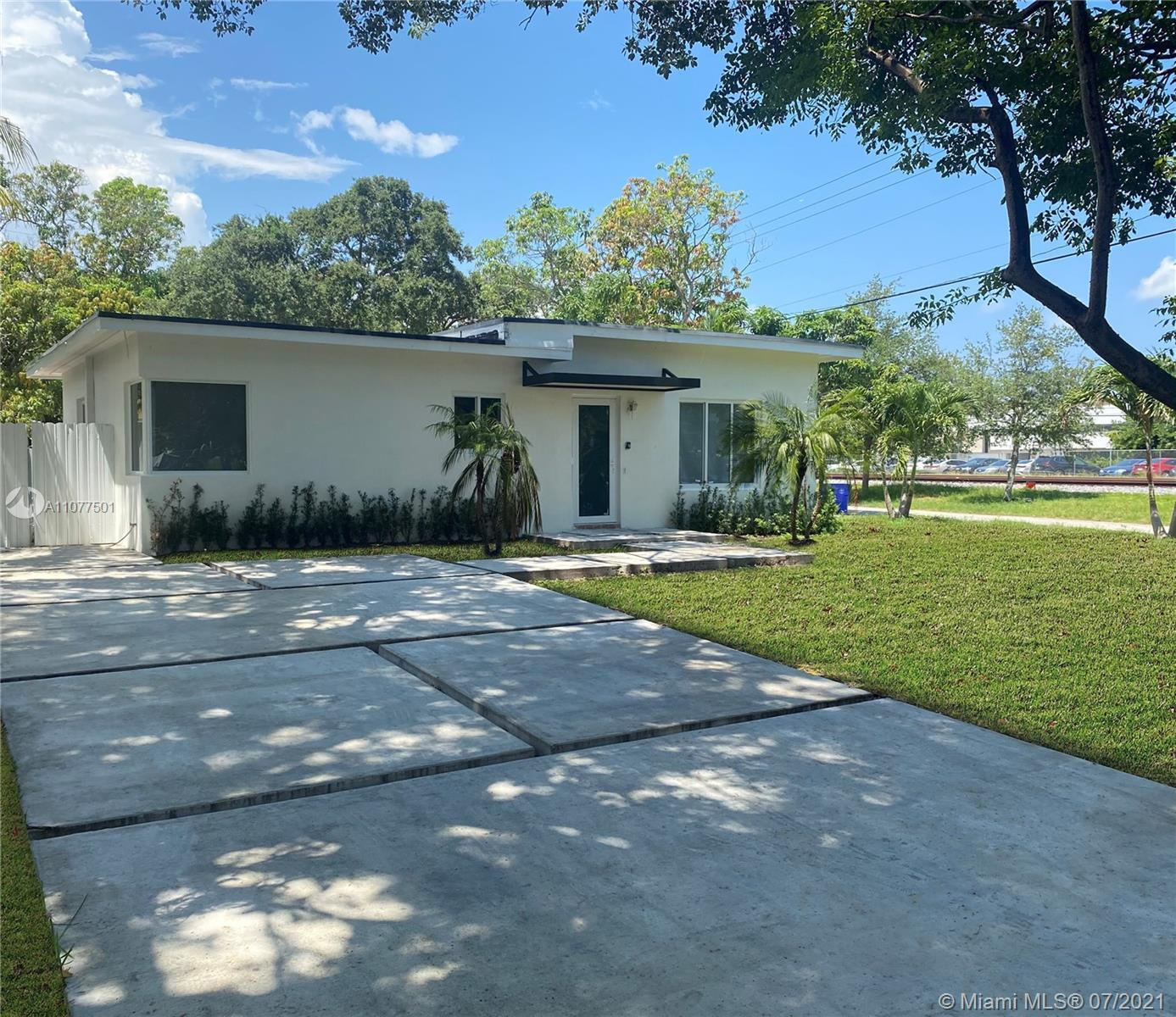 5% to buyers agent - Fully Renovated 2021 including Brand new roof/Brand new porcelain floor/ Brand