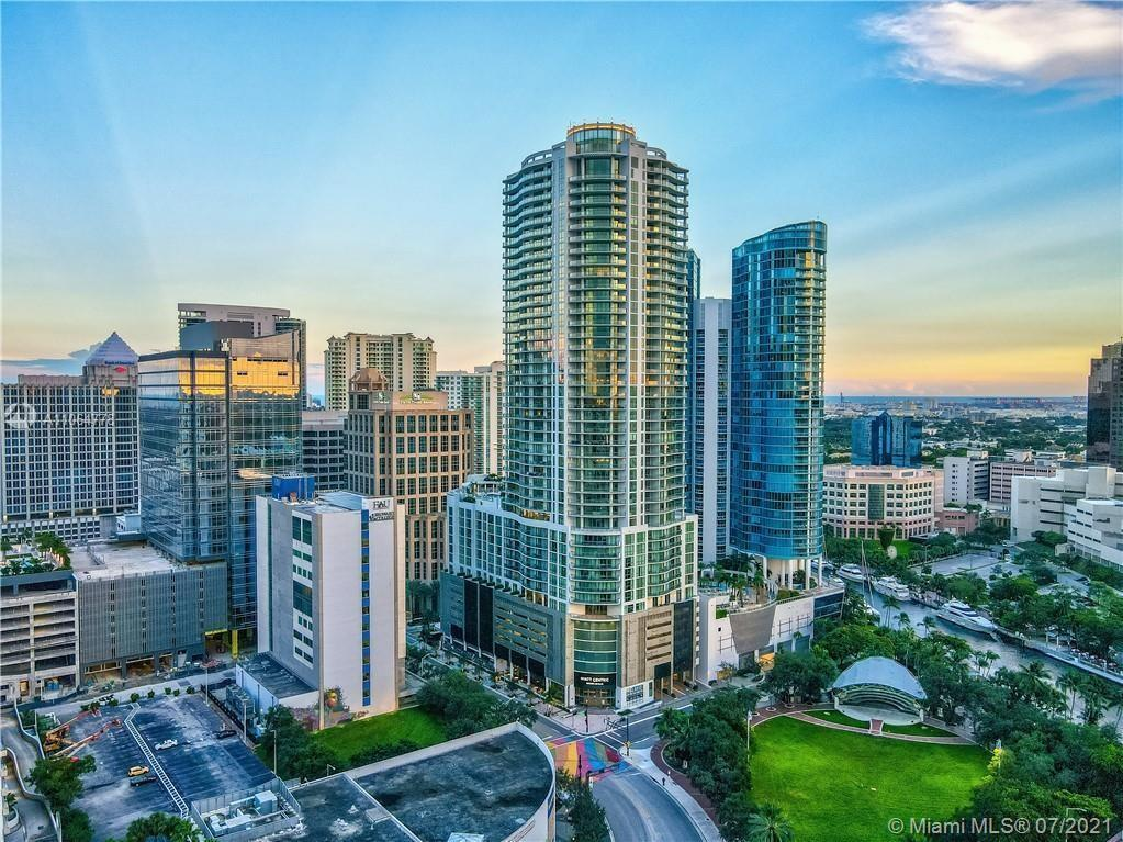 VIEWS to EVERYWHERE - Live the LUXURY LAS OLAS LIFE that you've dreamed of - Relax on the HUGE balco