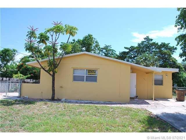 HUGE CORNER LOT WITH APPROX. 85OO SQ. FEET. HOUSE WAS RECENTLY REHABBED A FEW YRS AGO. FRESH PAINT O