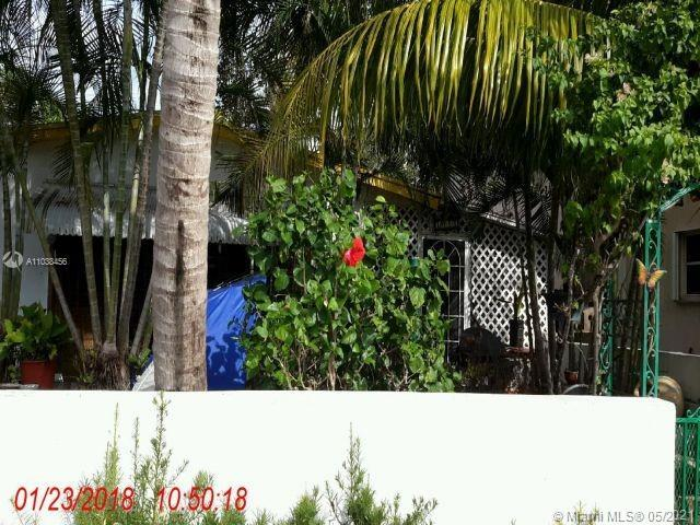 LOCATION! DOWNTOWN HOLLYWOOD! GREAT INVESTMENT OR TO LIVE IN. THIS SINGLE FAMILY HOME WAS MADE INTO