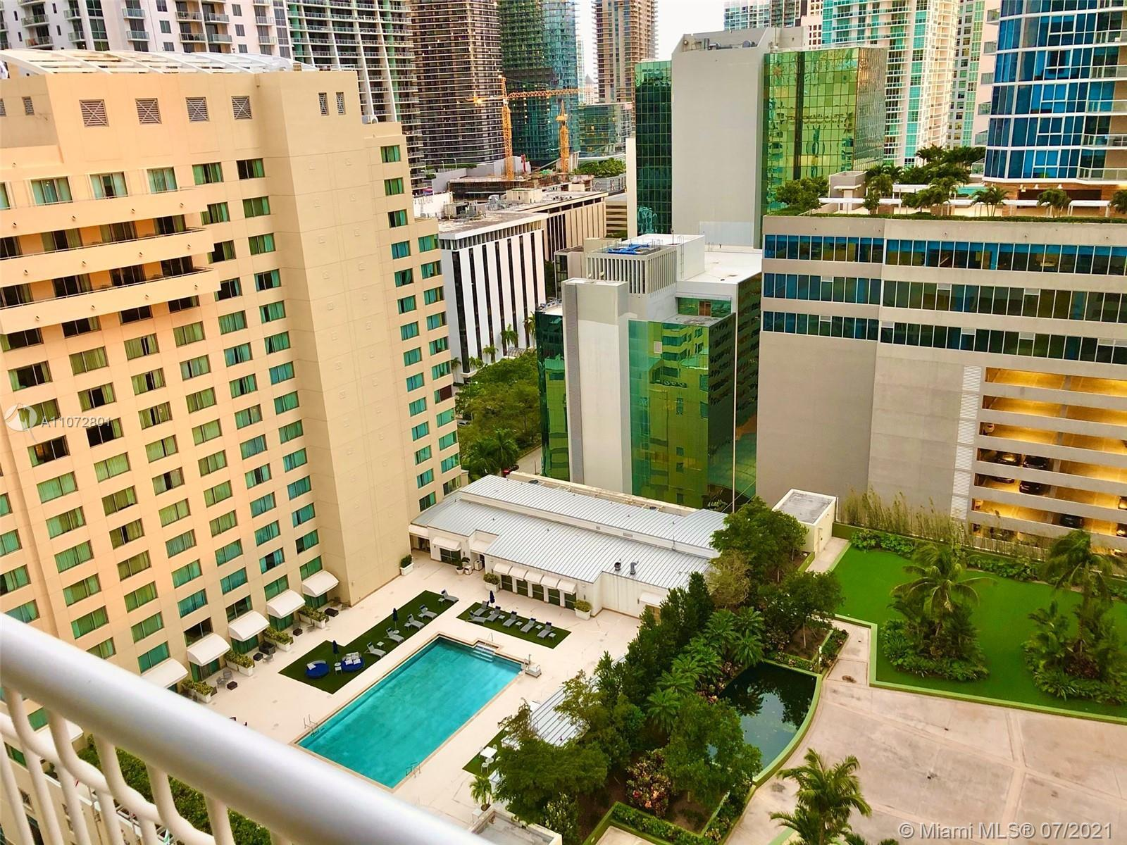 APPROVED SHORT TERM RENTALS. SPACIOUS UNIT IN THE HEART OF BRICKELL BY THE BAY. HIGH FLOOR WITH OPEN