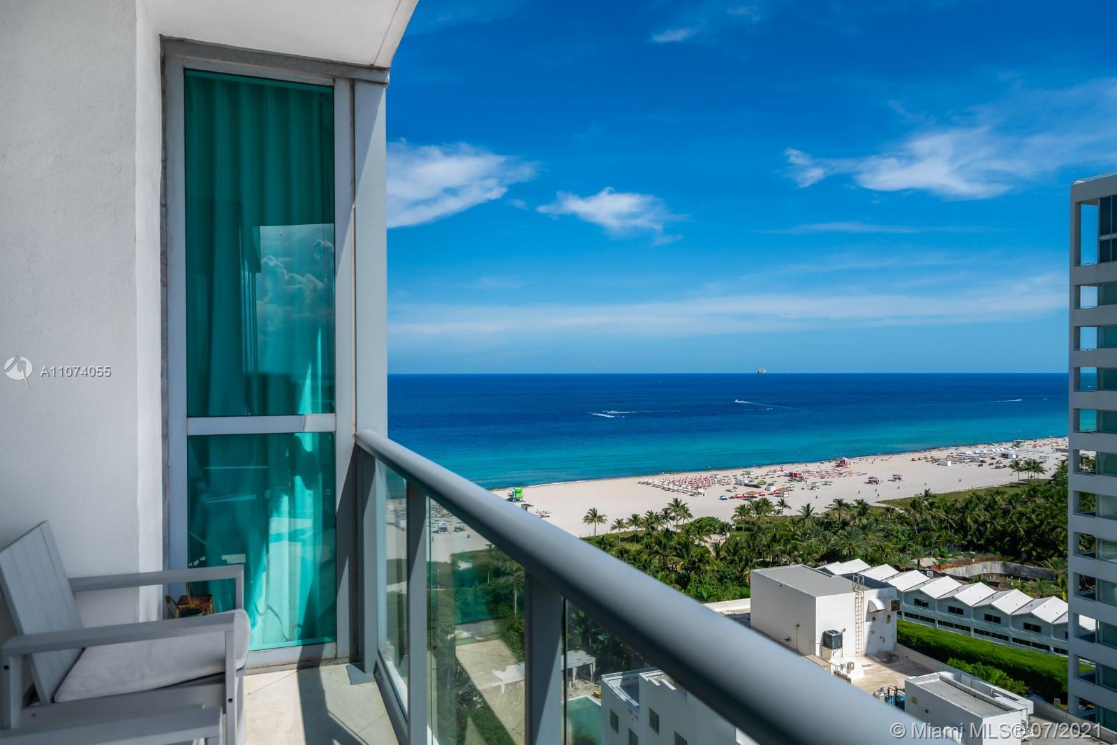 Fabulous 2 bd 2 ba SW corner unit featuring breathtaking panoramic views of the ocean, Miami Beach a