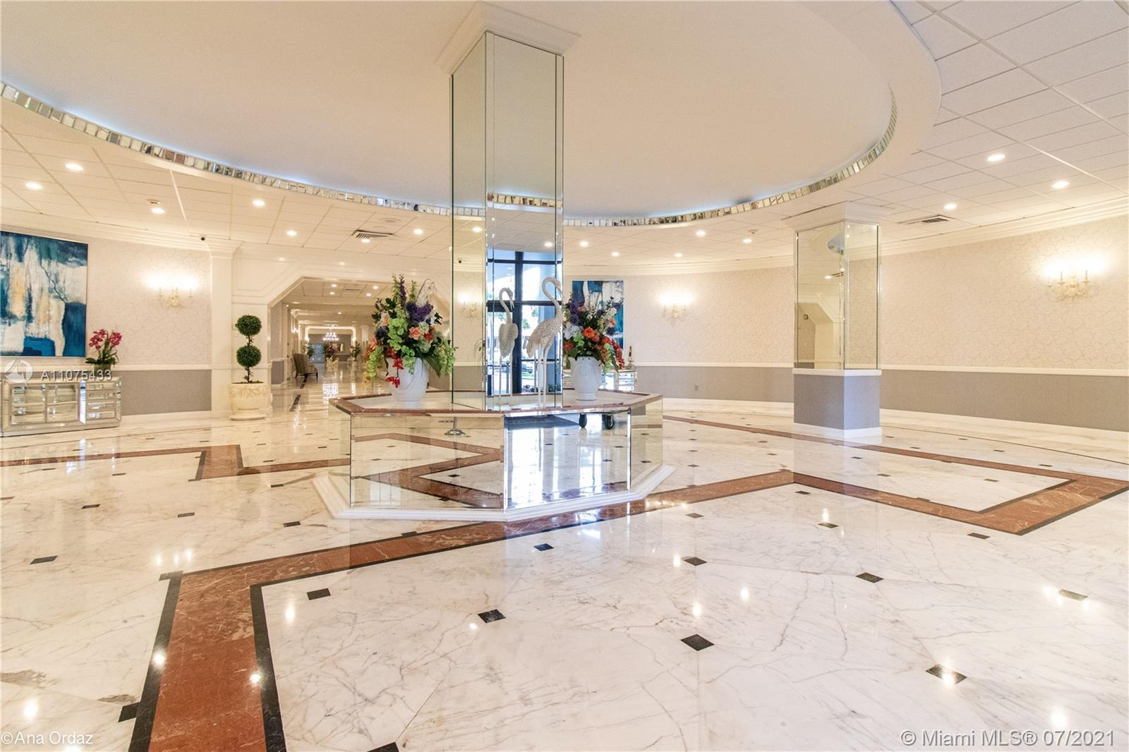 MAGNIFICENT INTRACOASTAL VIEWS AT THE HALLMARK ACROSS ST FROM THE OCEAN- PENTHOUSE 2/2 + DEN 3 FULL
