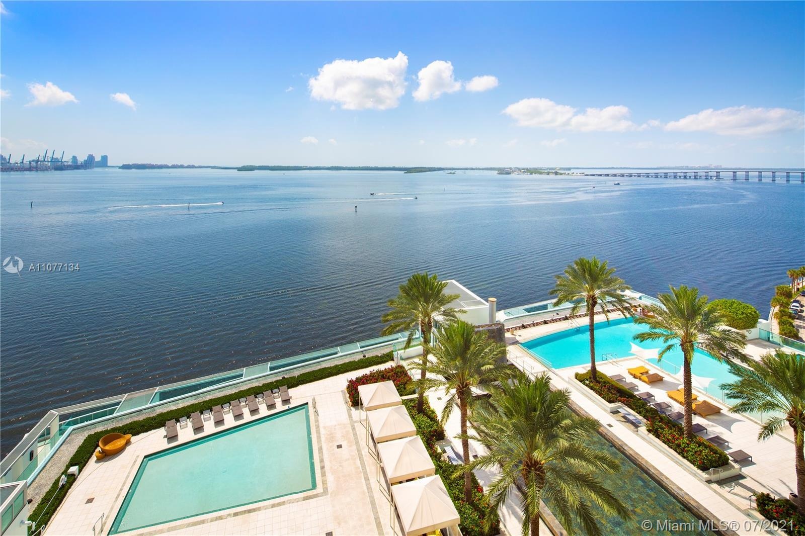 Entirely remodeled to perfection in one of Brickell's most luxurious condominium. Enjoy imposing end
