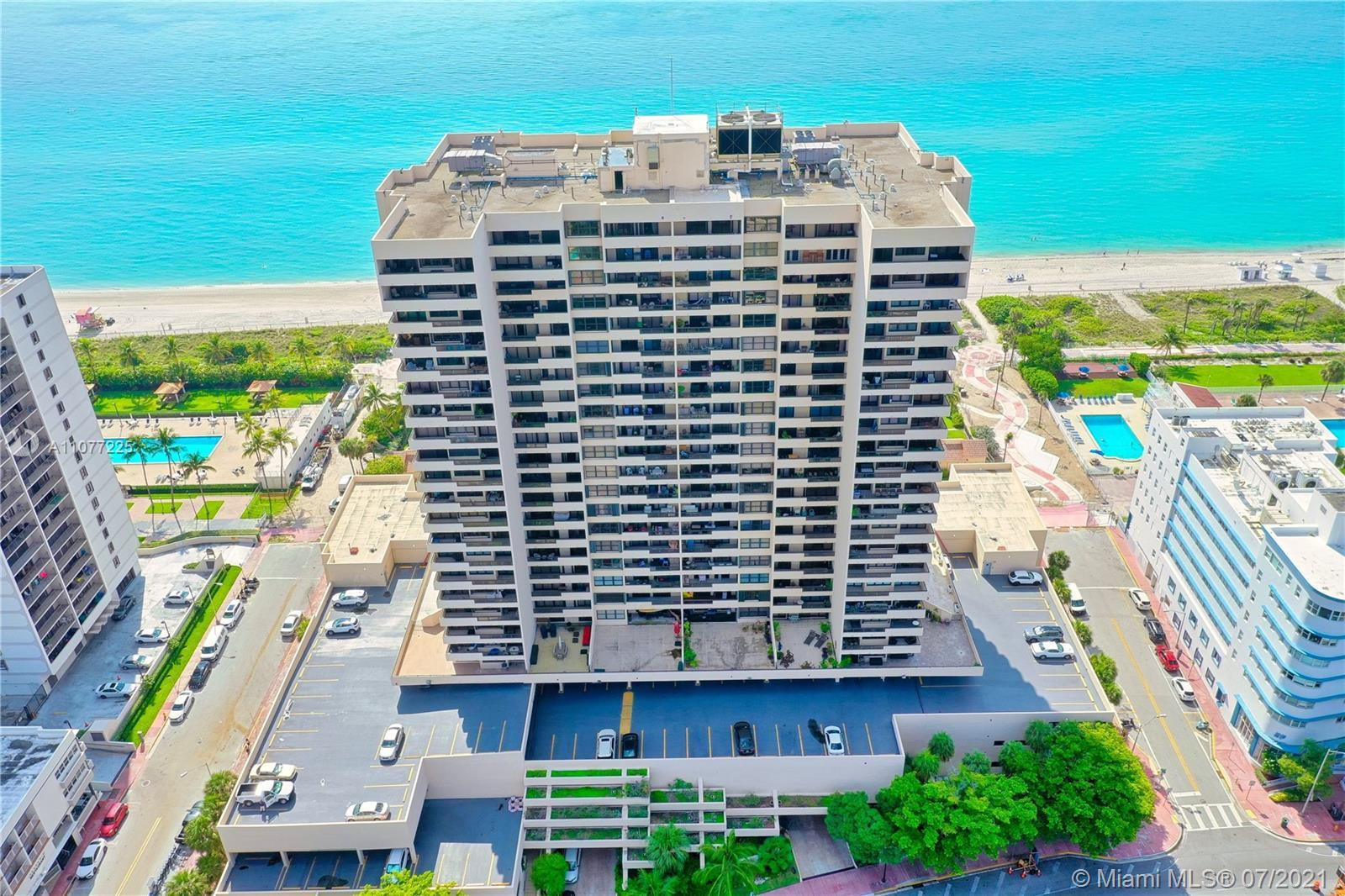 Stunning 2 bed 2 bath Condo in Miami Beach with an incredible panoramic view of intracoastal and Mia