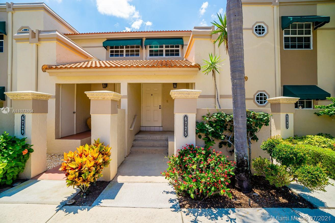 Located in the Prestige Community of Boca Pointe, this beautiful condo has an open floor plan painte