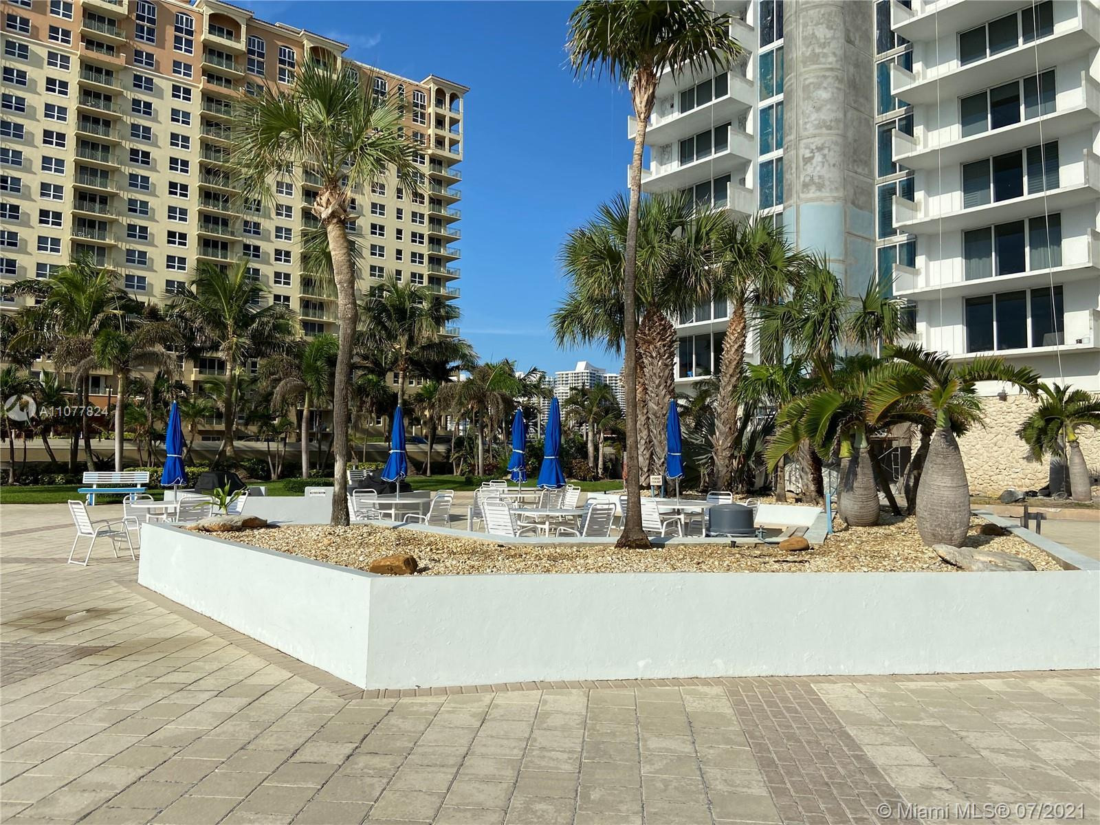 Parker Plaza. 1BR/1BTH, 21ST FLOOR, BEAUTIFUL CITY VIEW, RIGHT ON THE BEACH, FULLY UPGRADED, APPLIAN
