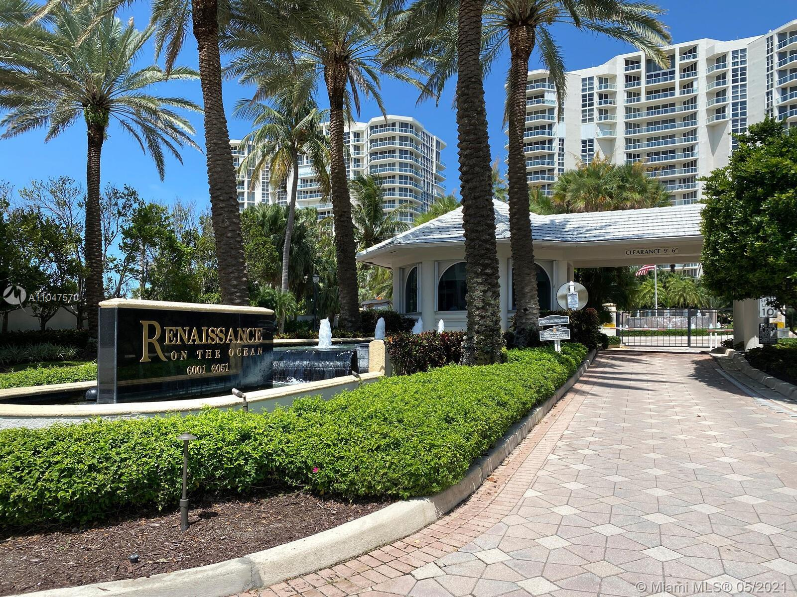 Contemporary, pristine 2205sf 2 bedrm + murphy bed, 3 bathrm corner home in the sky offers panoramic