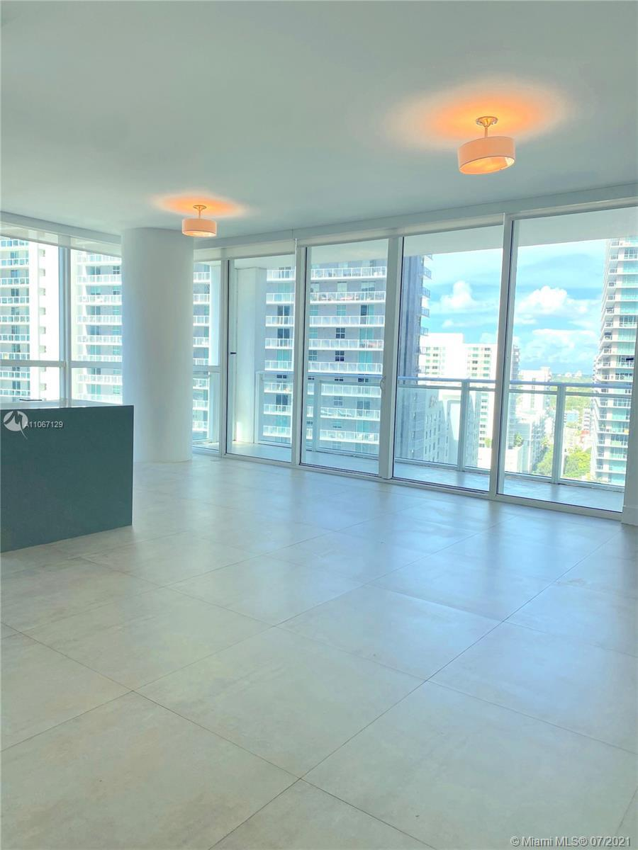 Beautiful 2 bedroom 2 bathroom in the heart of Brickell with views of coral gables. The Bond's Briti
