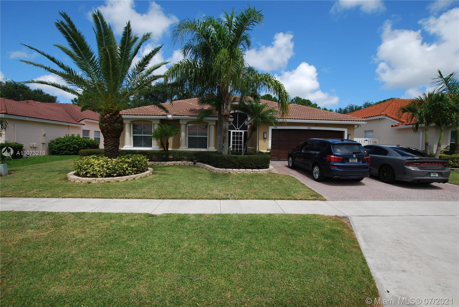 Wonderful Winston Trails 4 Bedrooms, 2.5 Baths One Story Pool Home. A-RATED SCHOOLS, LOW HOA & ENDL