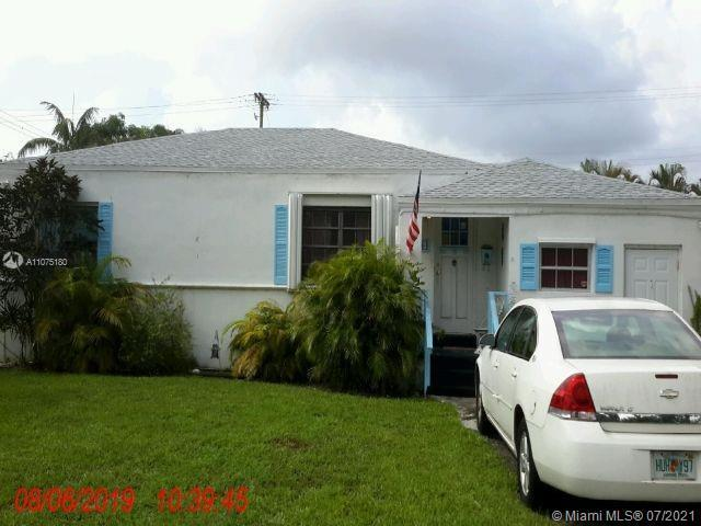 2 BEDROOM AND 2 BATHROOM, EAST OF US1, ROOF 2018 LESS THEN 1 MILE FROM FAMOUS HOLLYWOOD BROADWALK AN