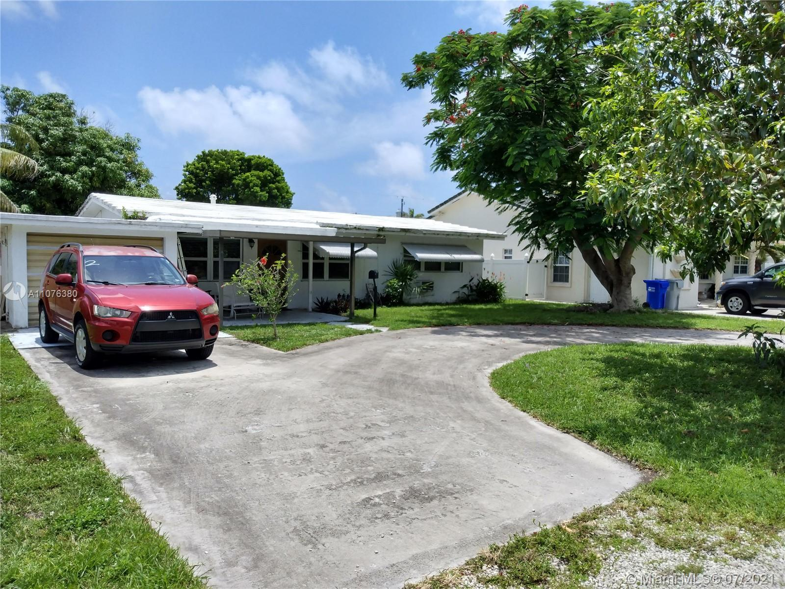 **Open House - 8/1 - 11a-2p**  Fantastic opportunity - 3/2 on a huge lot (65 x 167) in Pompano's H