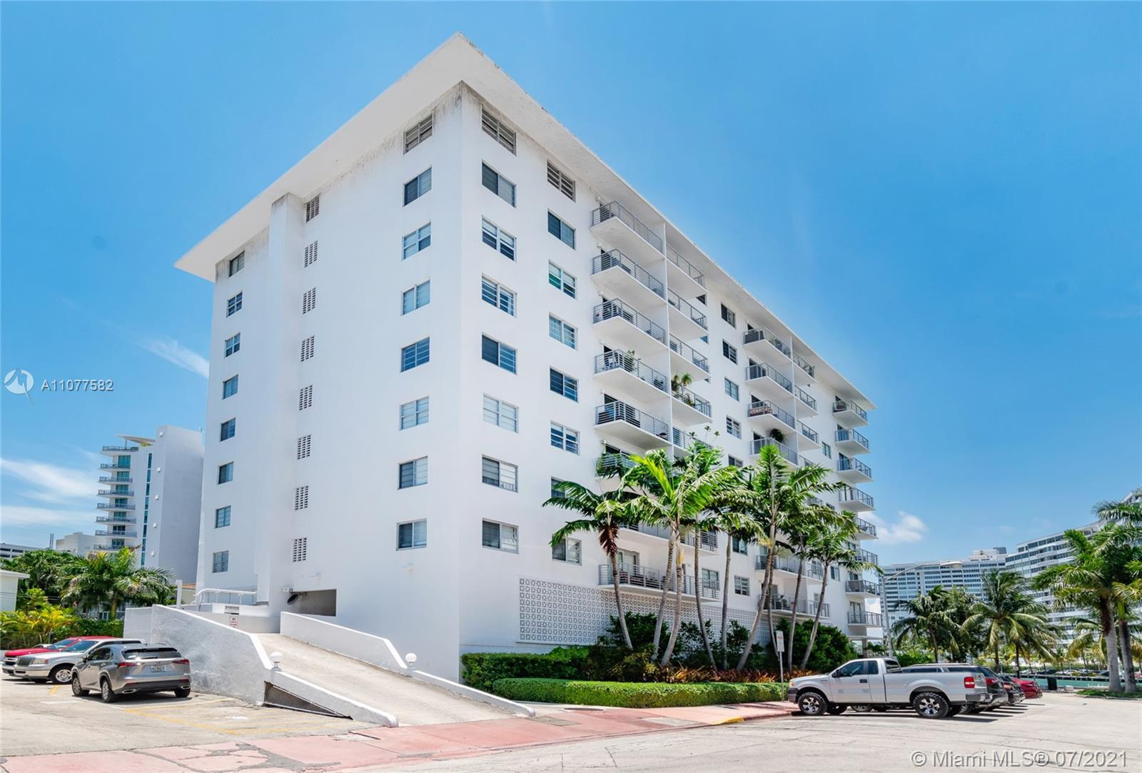 Great South Beach Condo on Lincoln Road sitting directly on Biscayne Bay, 1 Bedroom, 1.5 Bathroom. O