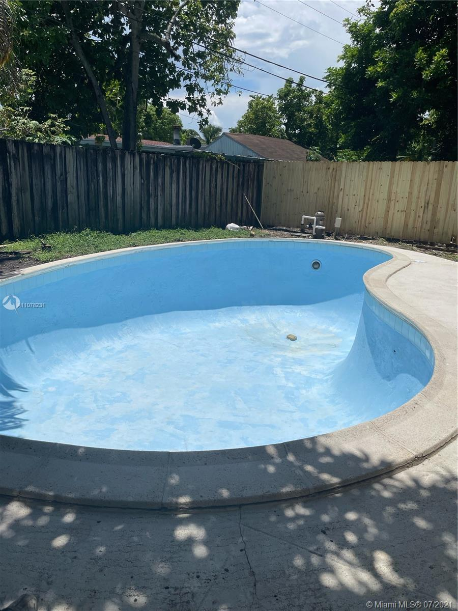 4/3 Pool SF, the owner is currently remodeling but you can choose to buy it as is or in any other ph